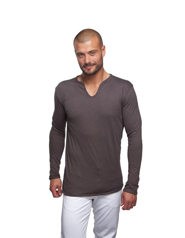 camiseta manga larga hombre corte moderno